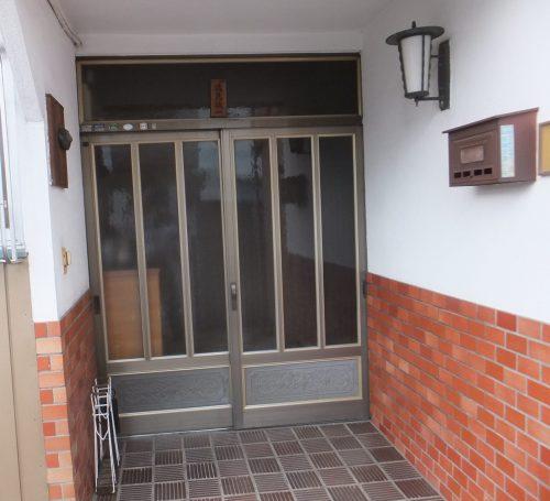 古い玄関引戸